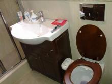 Sanitare - Chiuveta si WC pe perete
